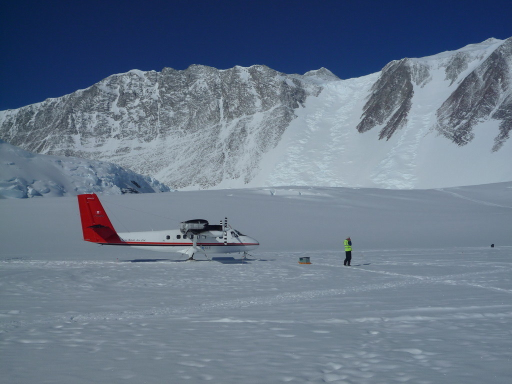 Mount Vinson 2011. Dima Ermakov, photo 16