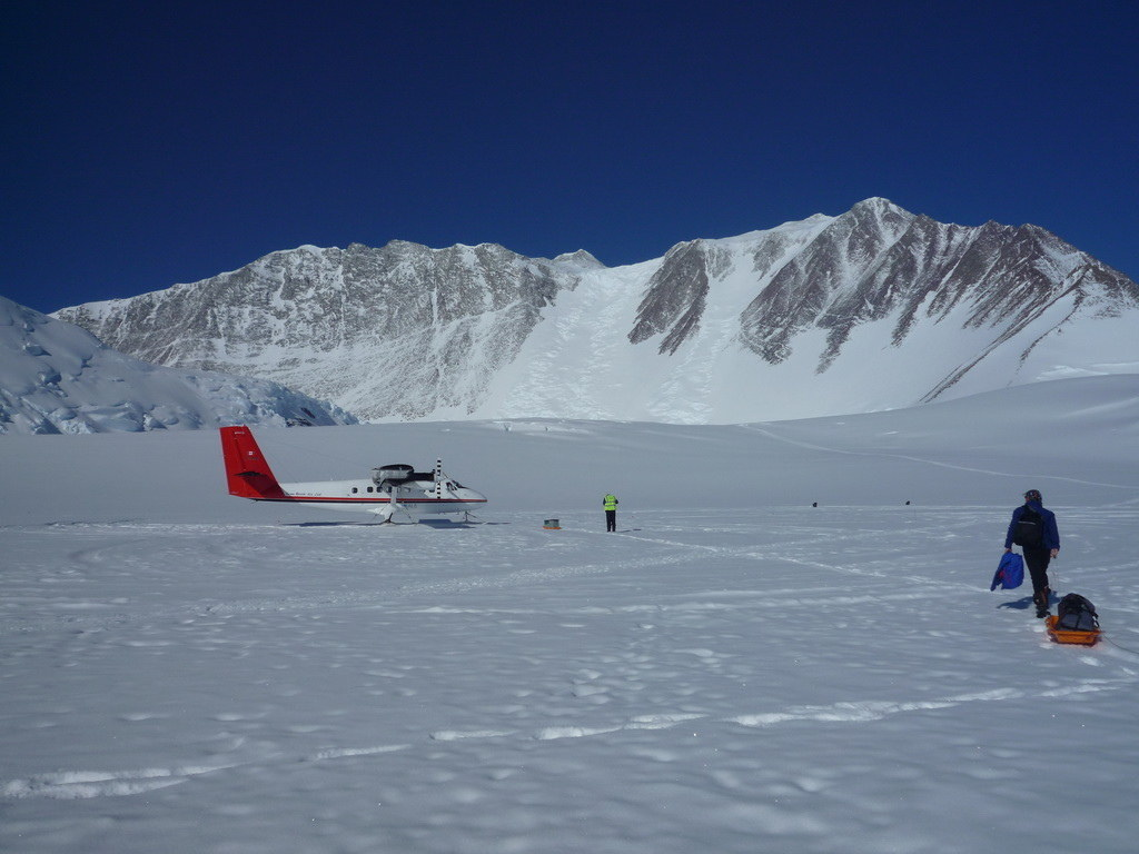 Mount Vinson 2011. Dima Ermakov, photo 17