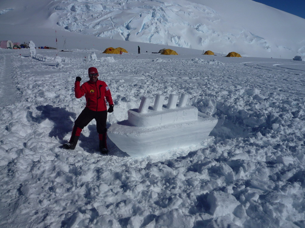 Mount Vinson 2011. Dima Ermakov, photo 18