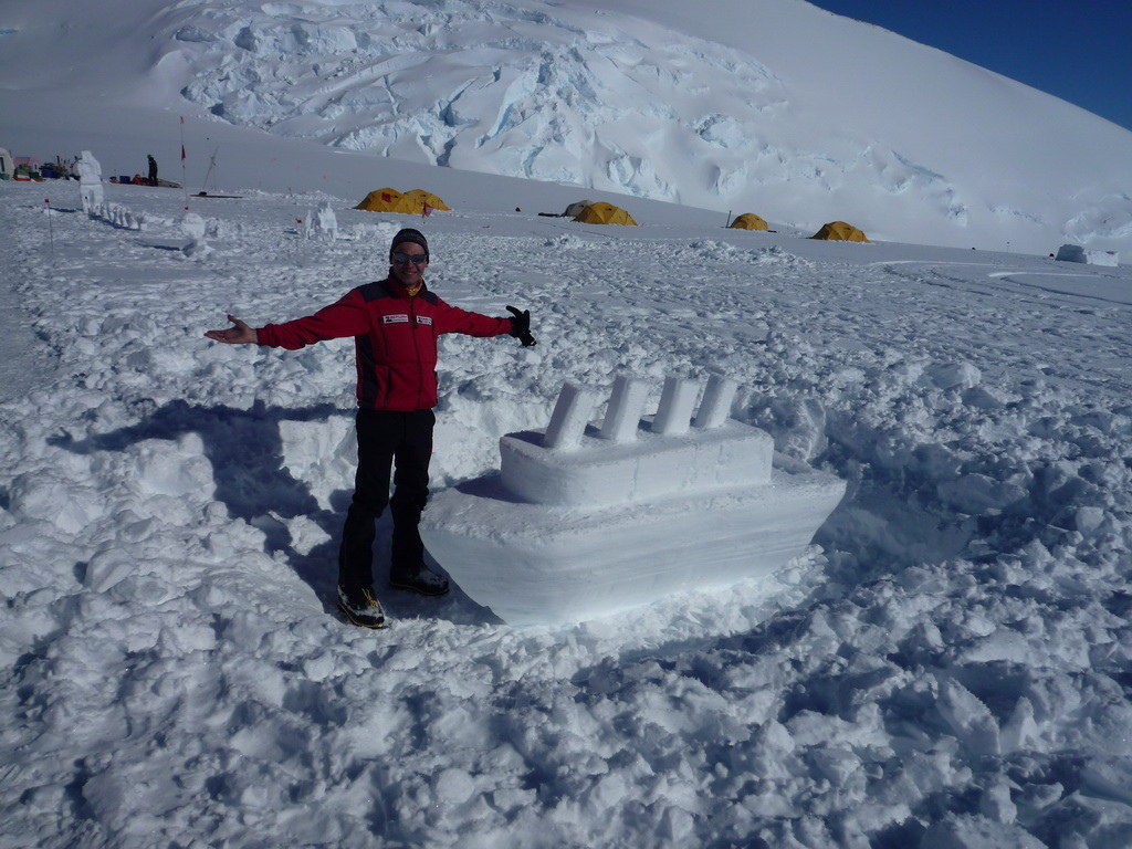 Mount Vinson 2011. Dima Ermakov, photo 24