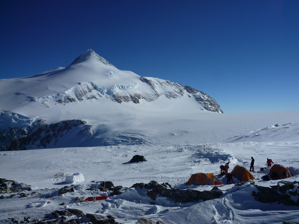 Mount Vinson 2011. Dima Ermakov, photo 26