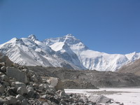 Tibet. Everest (8844m) North side climbing e